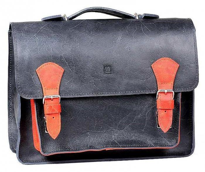 Třeba tato ojedinělá, designová taška je nyní levnější o 200,- Kč.