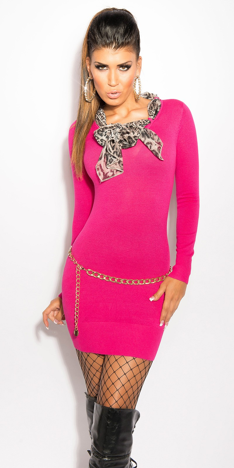 Pletené dámské šaty s opaskem