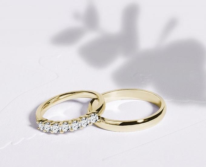 Snubní prsteny KLENOTA - žluté zlato a diamanty