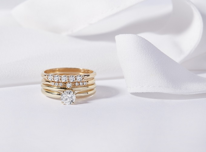Zlaté prsteny KLENOTA - tzv. stackable rings