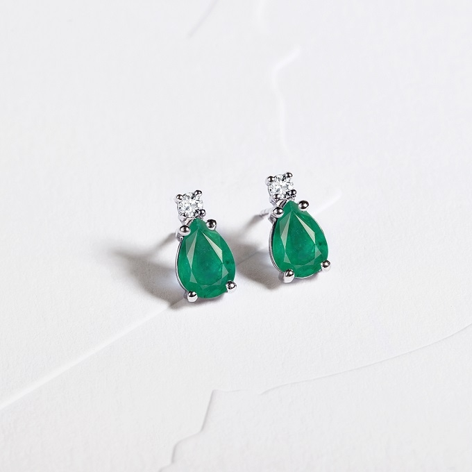 Earrings with emeralds and diamonds - KLENOTA