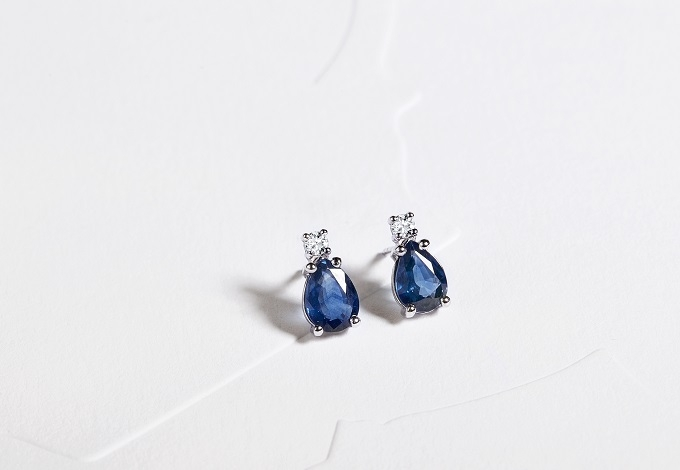 Earrings with sapphires - KLENOTA