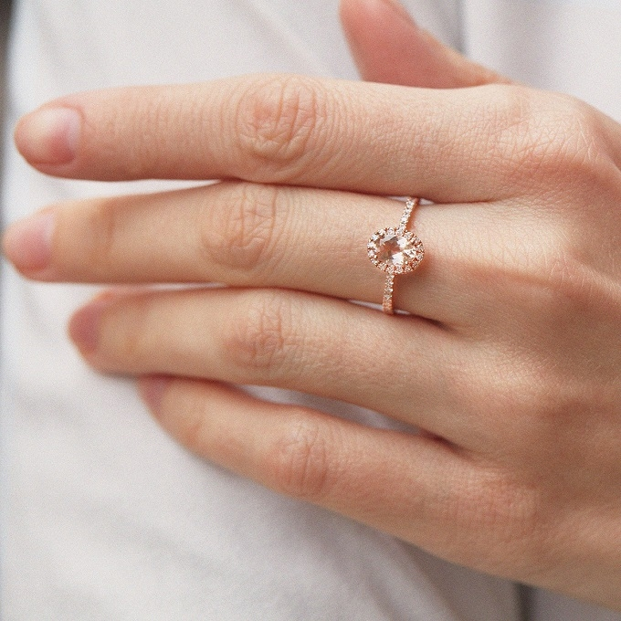 Prsten z růžového zlata s morganitem a diamanty - KLENOTA