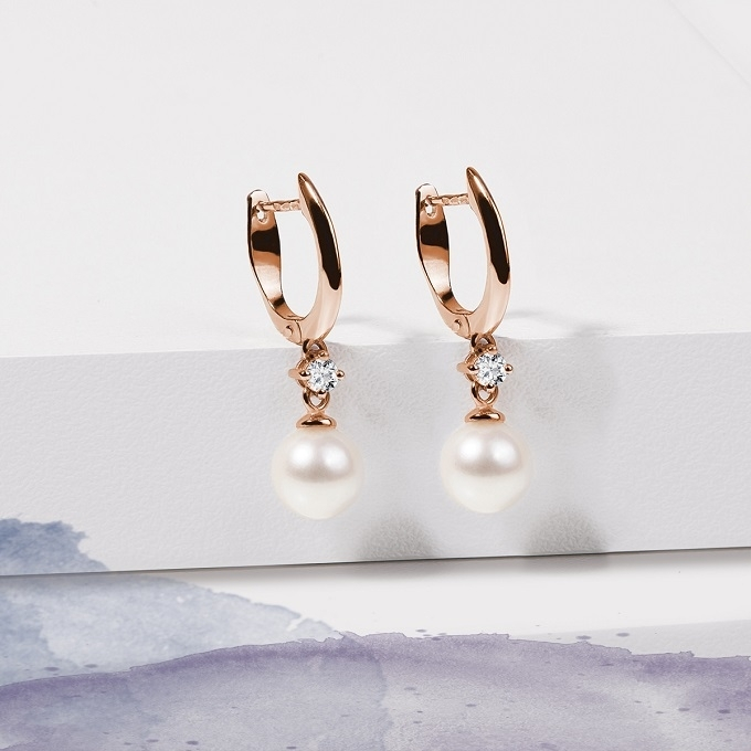 Rose gold earrings with pearl and diamond - KLENOTA