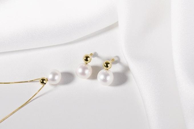 Zlaté náušnice a přívěsek s perlami - KLENOTA