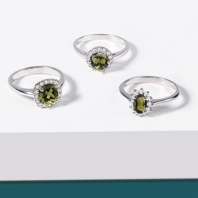 Prstene z bieleho zlata s vltavíny a diamantmi - KLENOTA