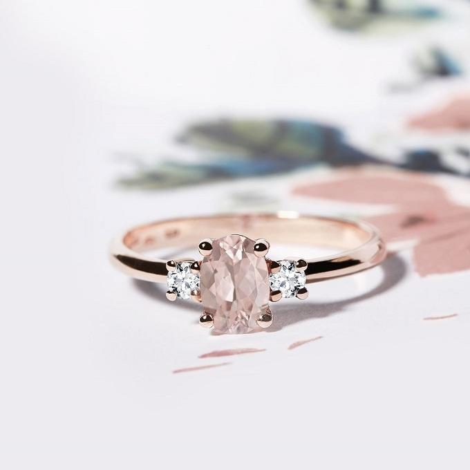 Prsten z růžového zlata se s morganitem a diamanty - KLENOTA