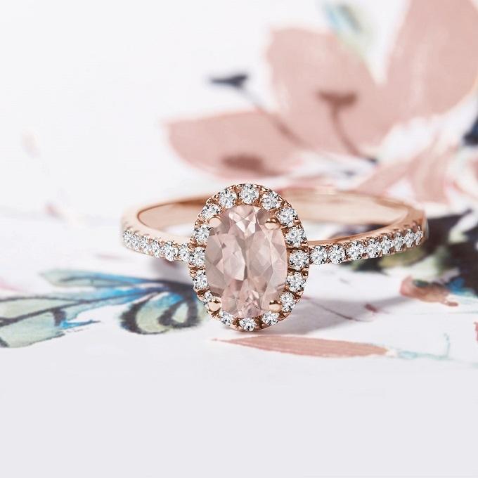 Halo prsten z růžového zlata se s morganitem a diamanty - KLENOTA