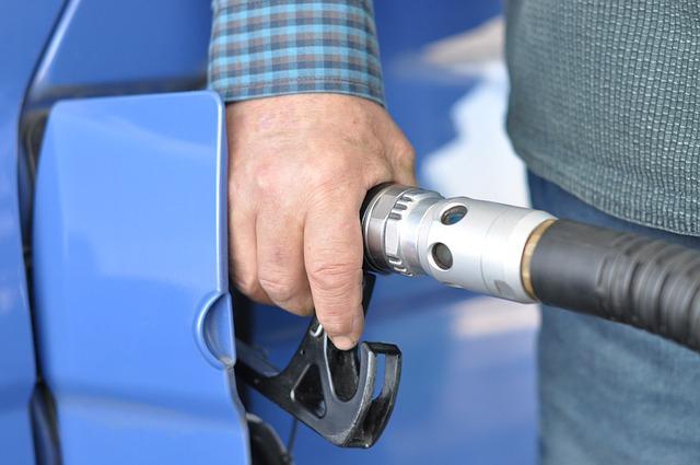 770162d0e4 Ako vyprať naftu a ako sa zbaviť zápachu nafty - DobrýTextil.sk