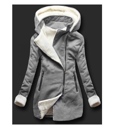 Zabudnite na klasické čierne zimné kabáty. Ak nie ste práve zástancom  farieb a155a7e875d