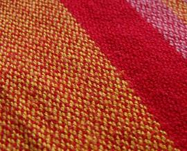 pevný tkaný šátek detail