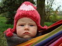 miminko v šátku