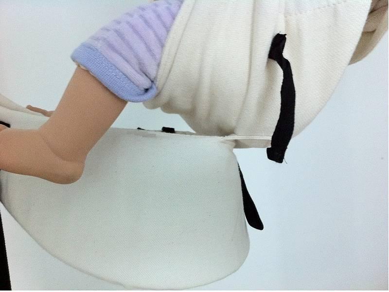 Emeibaby nosítko - kolínka výš jak zadeček