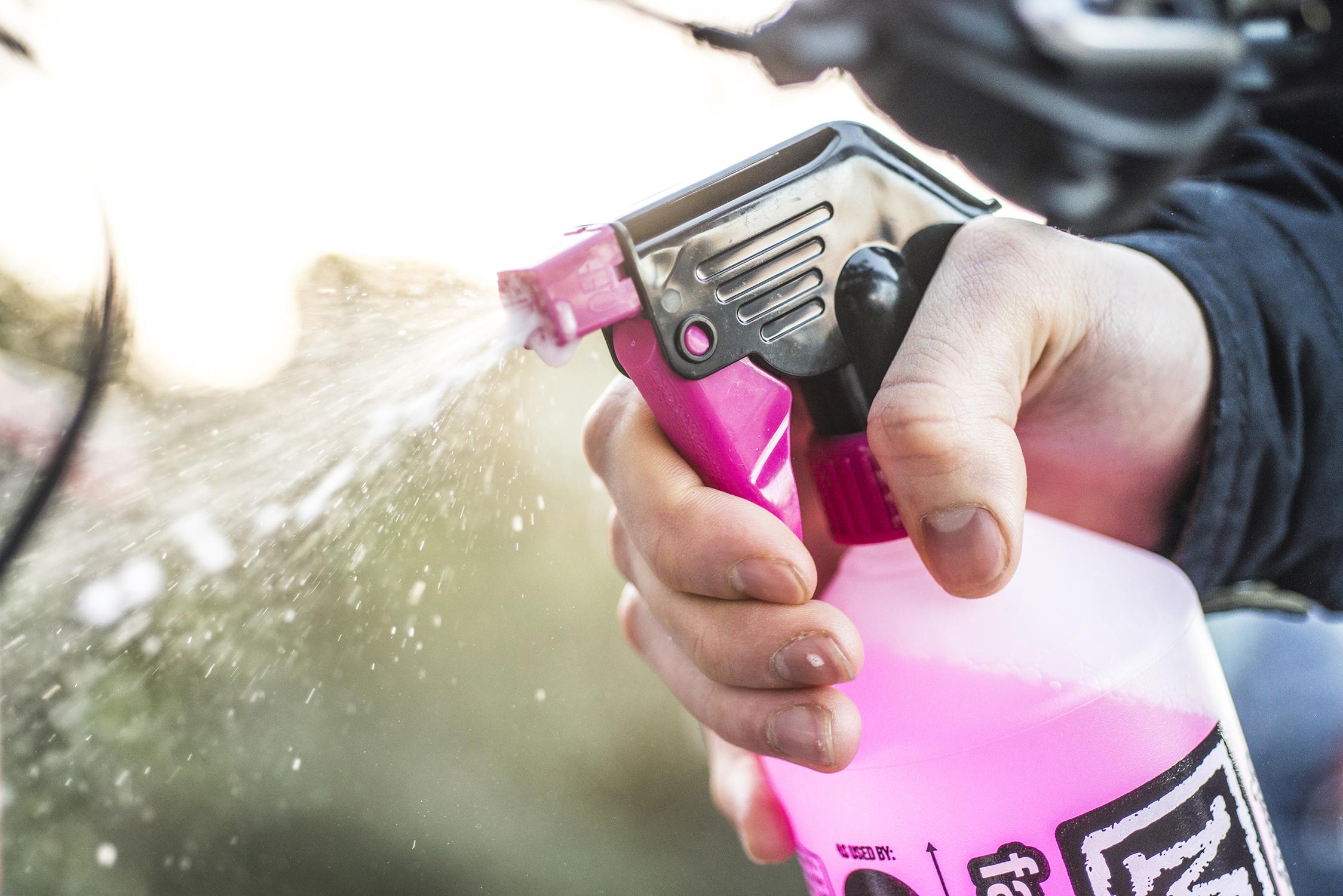 Čistící prostředek na motorku Muc Off Nano Tech Moto Bike Cleaner 1L