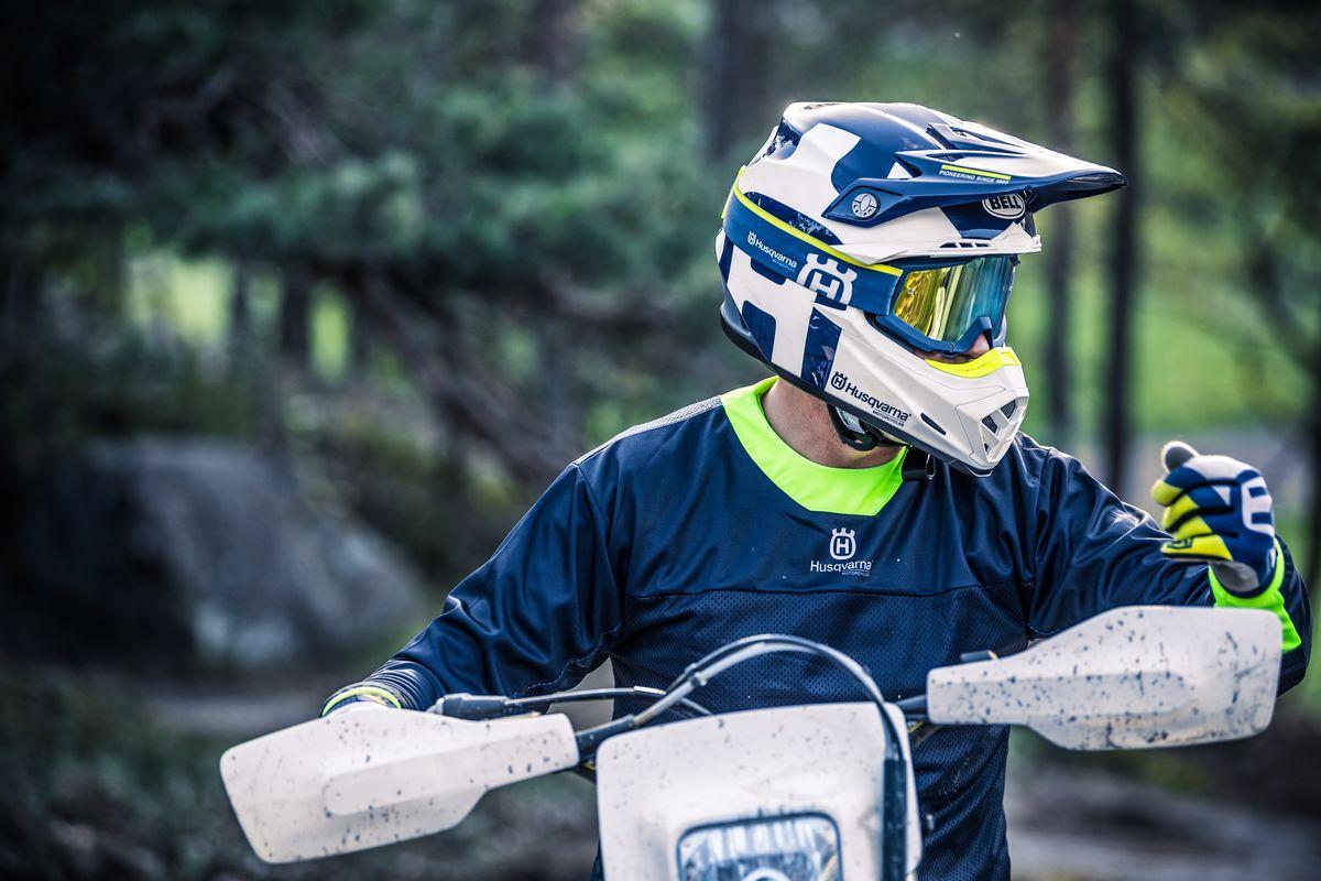 Helma Husqvarna Moto 9 Gotland blue white