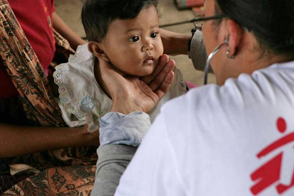 Lékaři bez hranic - pomoc Helveti