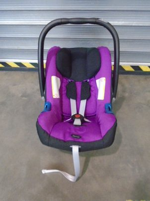 Bazar Römer BABY-SAFE plus II 2015 (Cool Berry)