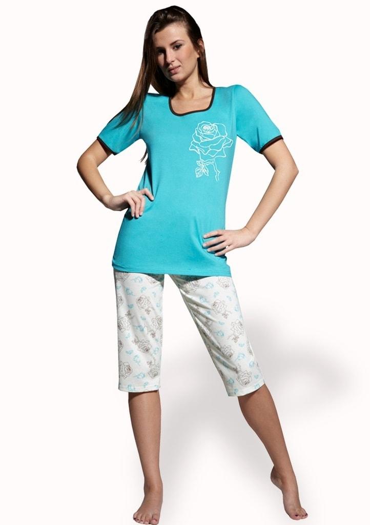 18ea563fe Dámské pyžamo s capri kalhotami Magda · Dámské pyžamo s capri kalhotami  Magda ...