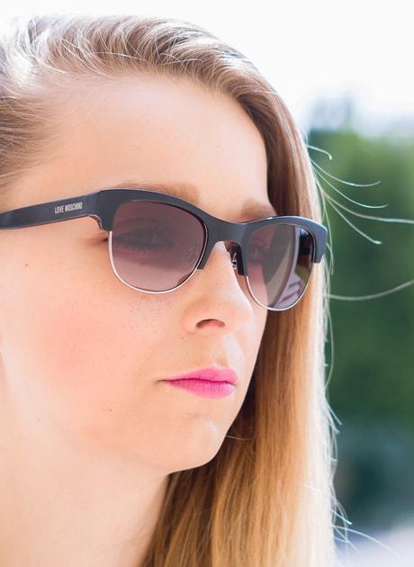 66753b079 Glamadise.sk - Moschino okuliare čierne - Moschino - Dámske slnečné okuliare  - Doplnky - GLAM, protože chci být odlišná!