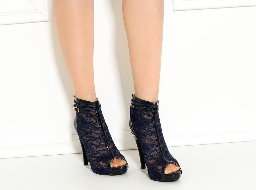 056a17e6c3 Glamadise.sk - Dámska členková obuv s čipkou tmavo modrá - GLAM GLAMADISE  shoes - Kotníkové - Dámske topánky - GLAM