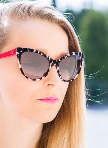 f6cb5877e Glamadise.sk - Guess slnečné okuliare flock - Guess - Dámske slnečné  okuliare - Doplnky - GLAM, protože chci být odlišná!