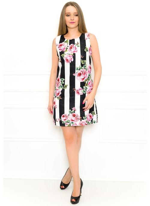 ac6f2695e0 Exkluzivní dámské šaty pruhované Exkluzivní dámské šaty pruhované