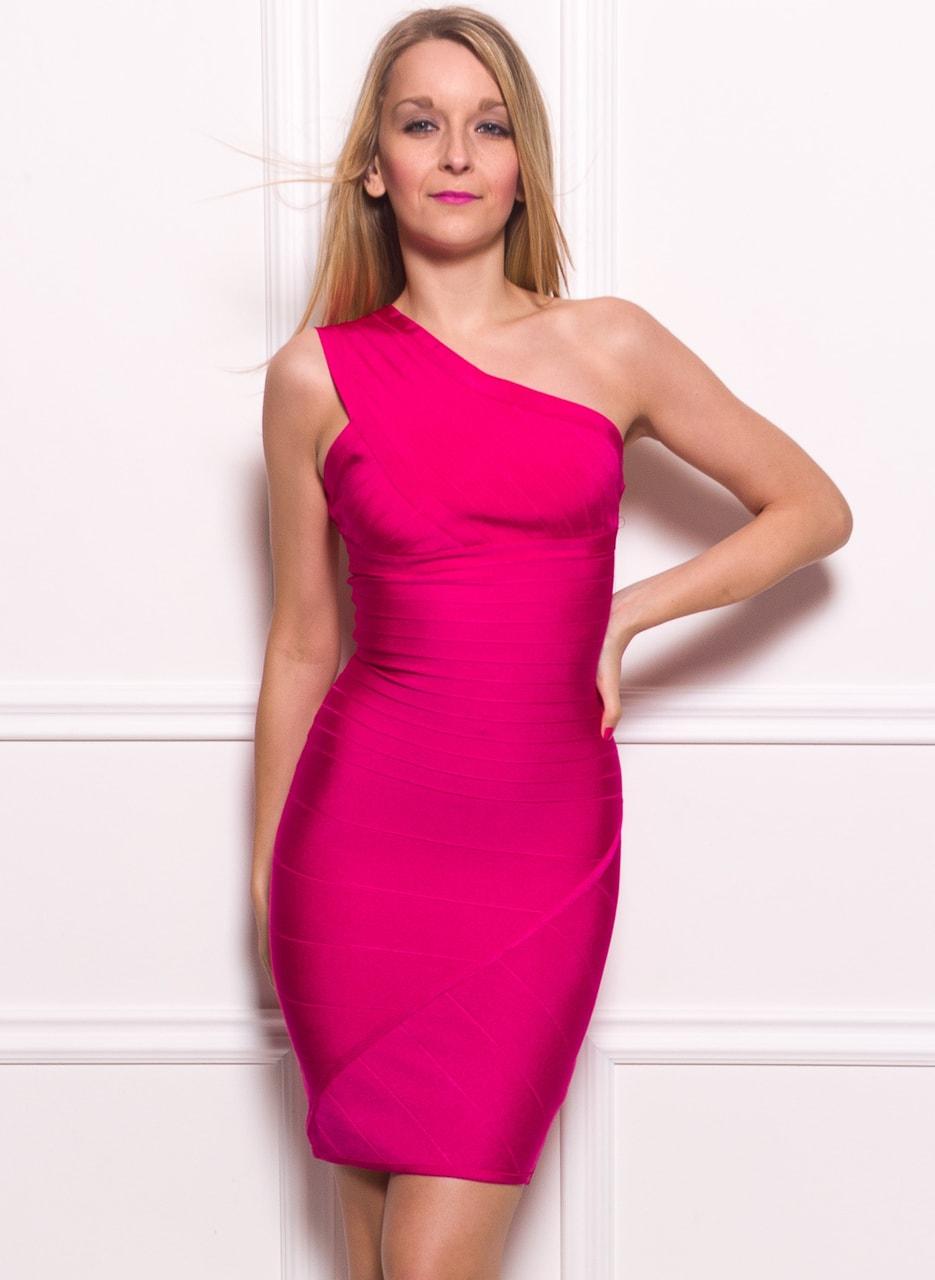 2909d035cf66 Dámské bandážové šaty na jedno rameno - růžová - Manosqe - Poslední ...