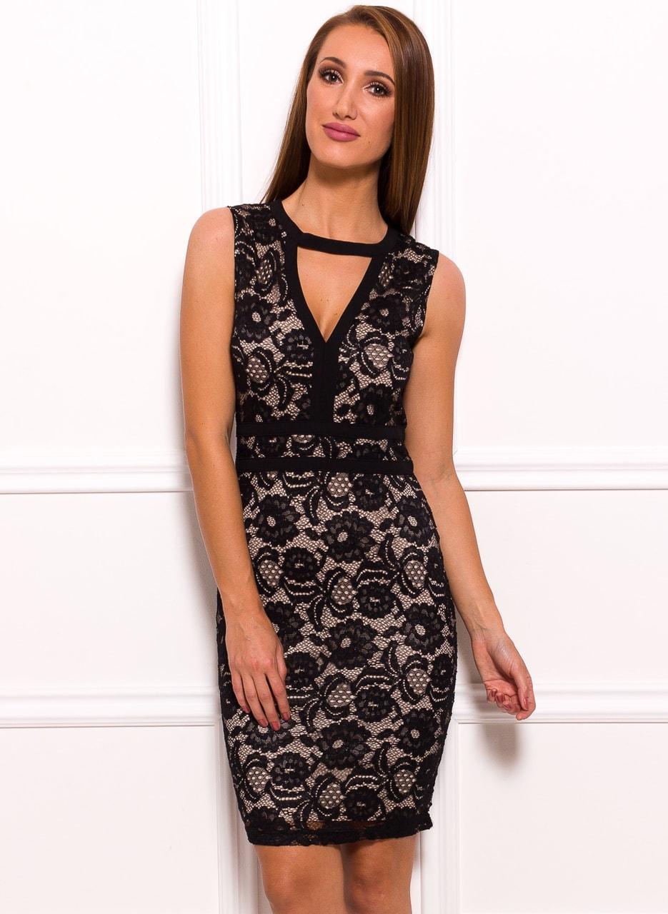 3e0b8316ad61 Dámské krajkové šaty se zajímavým dekoltem - béžová - Due Linee ...
