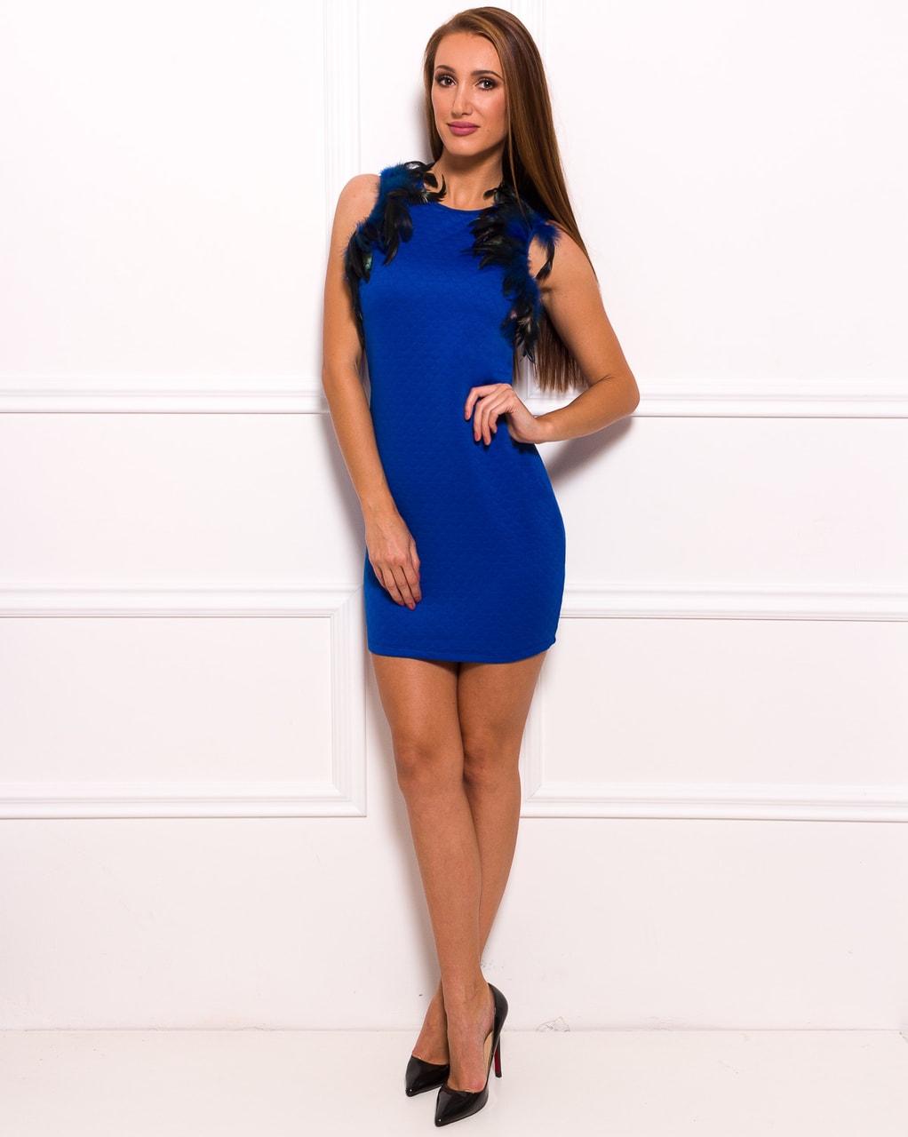 e245da55c641 Glamadise.sk - Dámske elegantné modré šaty s perím - Party šaty ...