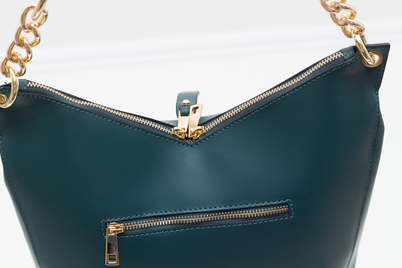 29884d957 Glamadise.sk - Dámska kožená kabelka s Retiazka cez rameno - tmavá ...