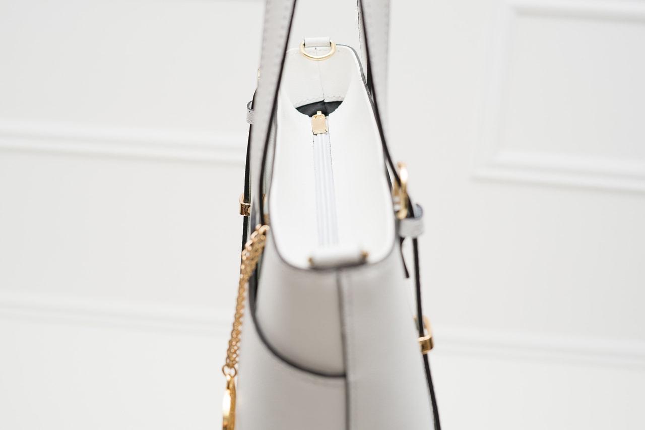 930dbda09e Glamadise.sk - Dámska kožená kabelka s jednou prackou na strane ...