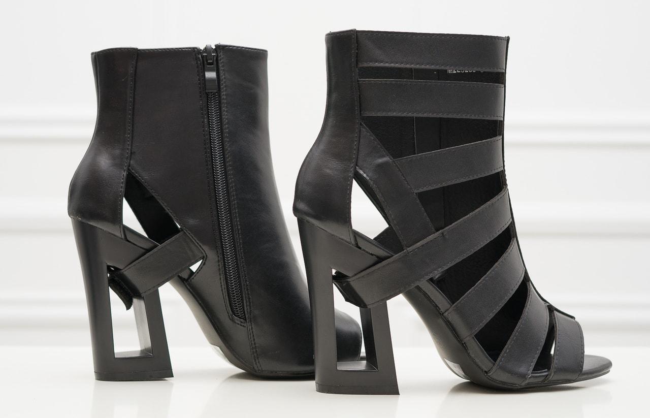 721656ed5aeb Glamadise.sk - Dámske remienkové sandále na podpätku čierne ...