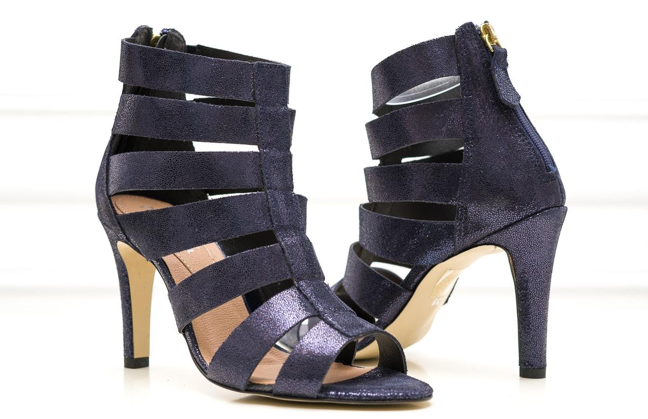 3d0ee1497f07 Dámské kožené páskové sandály tmavě modré - Pierre Cardin - Sandály ...