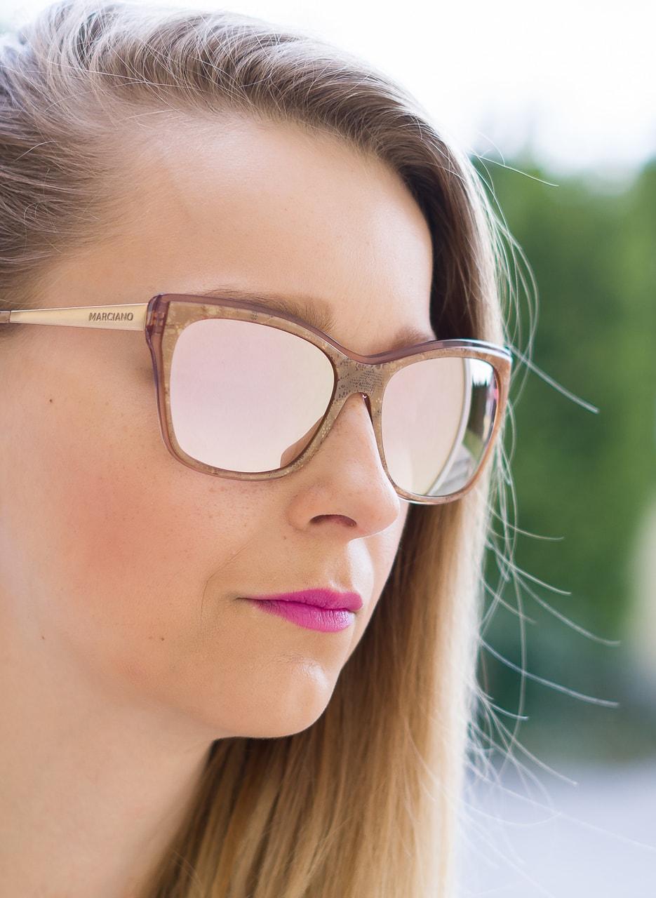 2204cfa8c98c8 Glamadise - Italian fashion paradise - Women s sunglasses Guess by ...