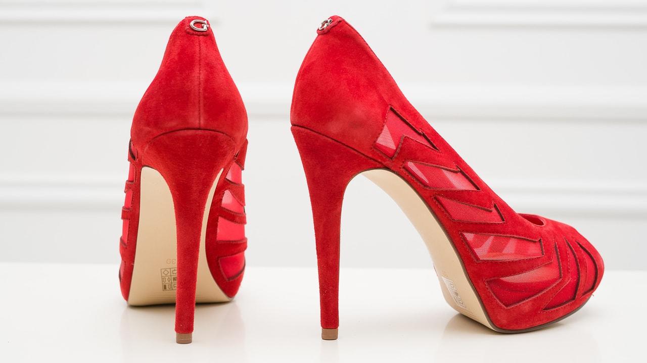 6479d03961d5b Guess červené lodičky - Guess - Lodičky - Dámská obuv - GLAM ...