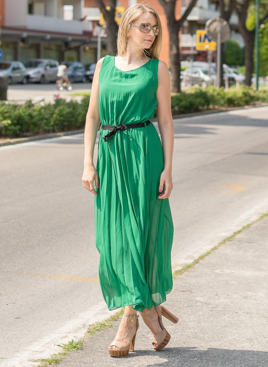 33ae7d9b86e6 Dlouhé šaty zelené plizované - Glamorous by Glam - Letní šaty - Šaty ...