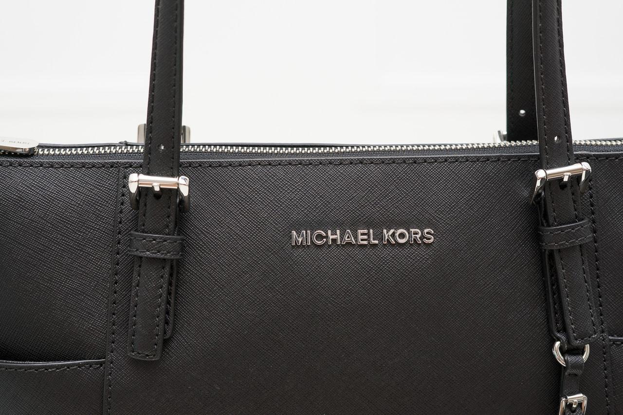 8160739c23 Glamadise.sk - Michael Kors kožená kabelka černá - Michael Kors ...