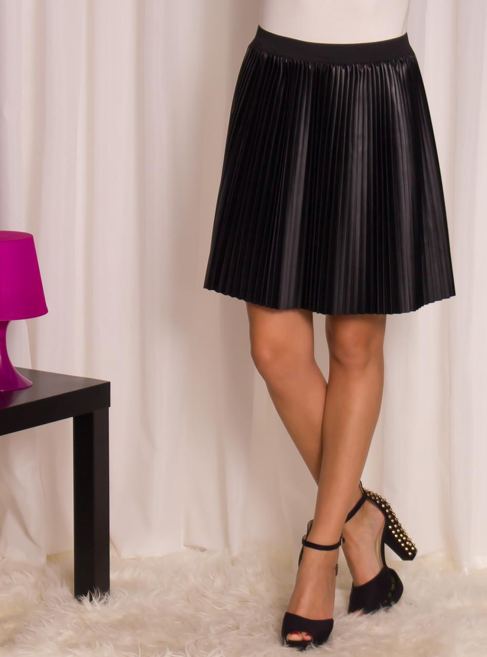 eb5a98d5f96e Glamadise.sk - Dámska koženková plisované sukne - čierna - Glamorous ...