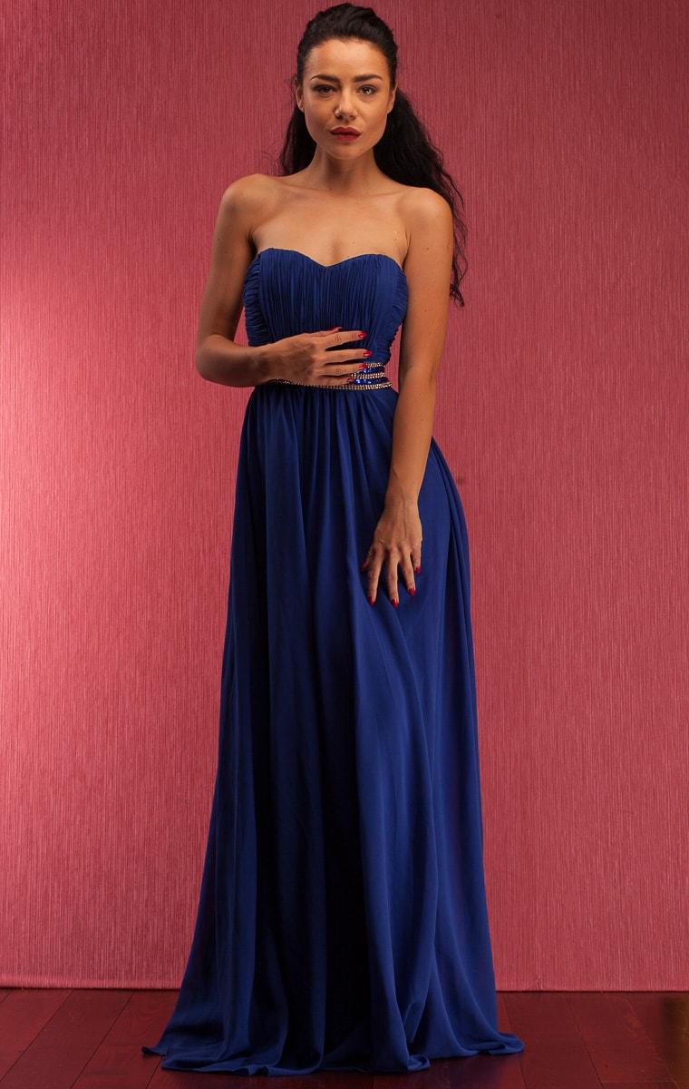 cd24db85f4ef Společenské dlouhé šaty se štrasovým zdobením bez ramínek - modrá ...