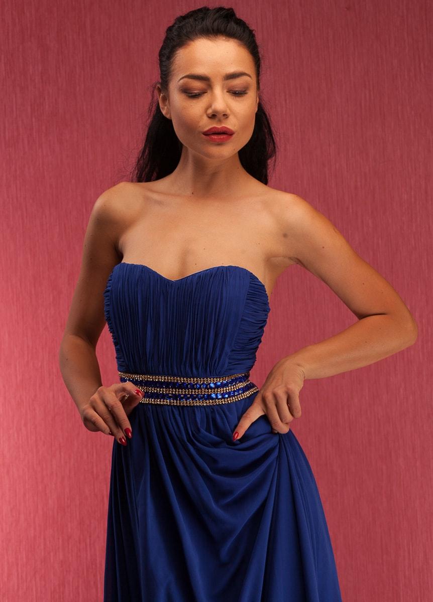 3c84dd431ae7 Glamadise.sk - Spoločenské dlhé šaty so štrasovým zdobením bez ...