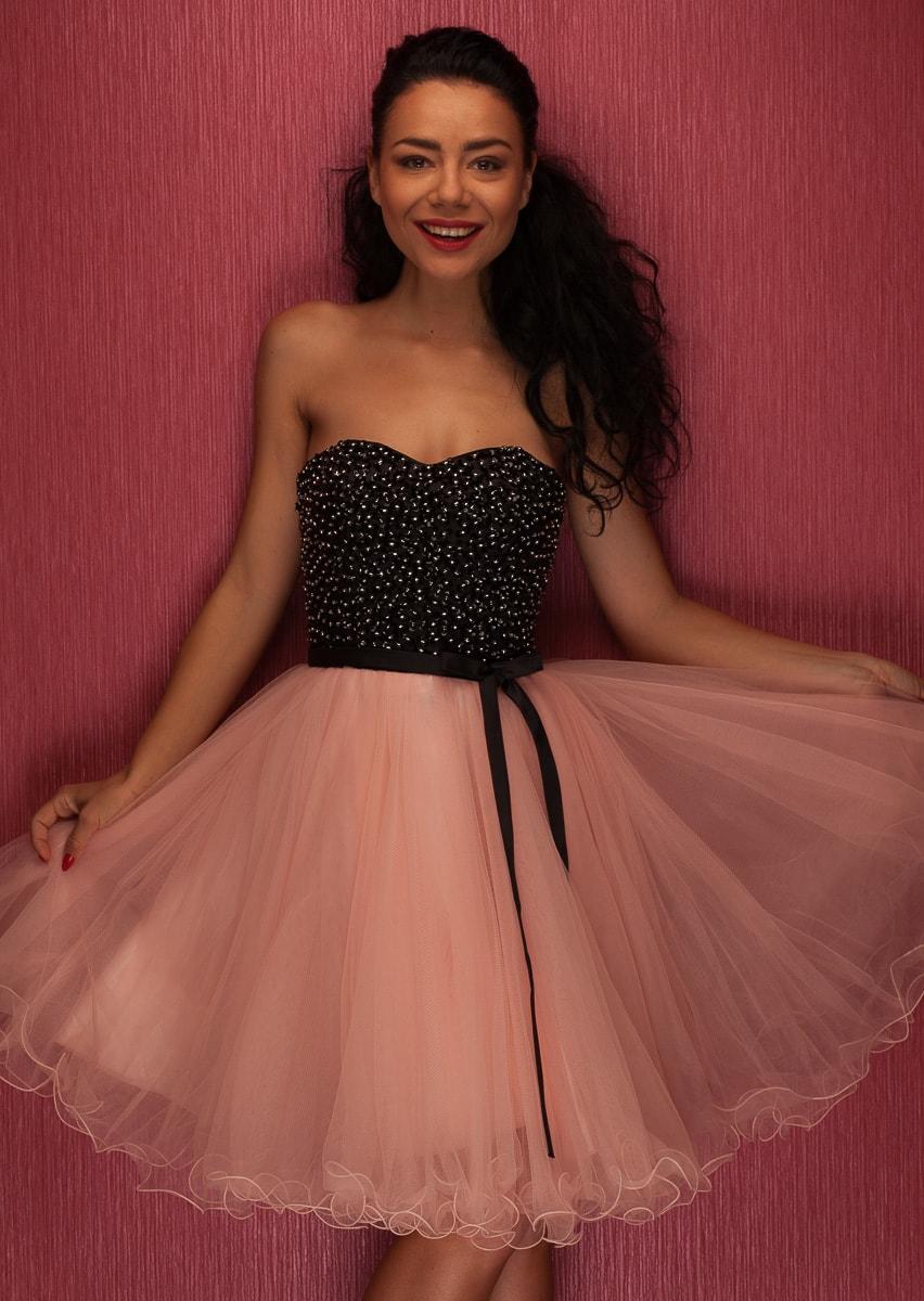b2f74ede1 Dámské krátké plesové šaty bez ramínek - růžová - Due Linee - Šaty ...