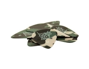 9222 Ernie Ball Camouflage Medium 0.72mm Cellulose Pick - kamufláž design, medium, celuloidové trsátko 1ks
