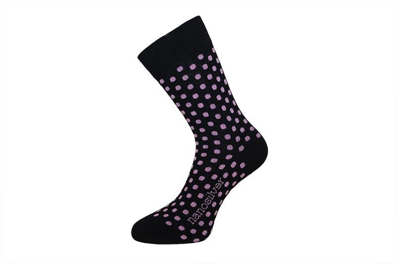 Společenské ponožky s puntíky - S 35/38 - černé s růžovými puntíky