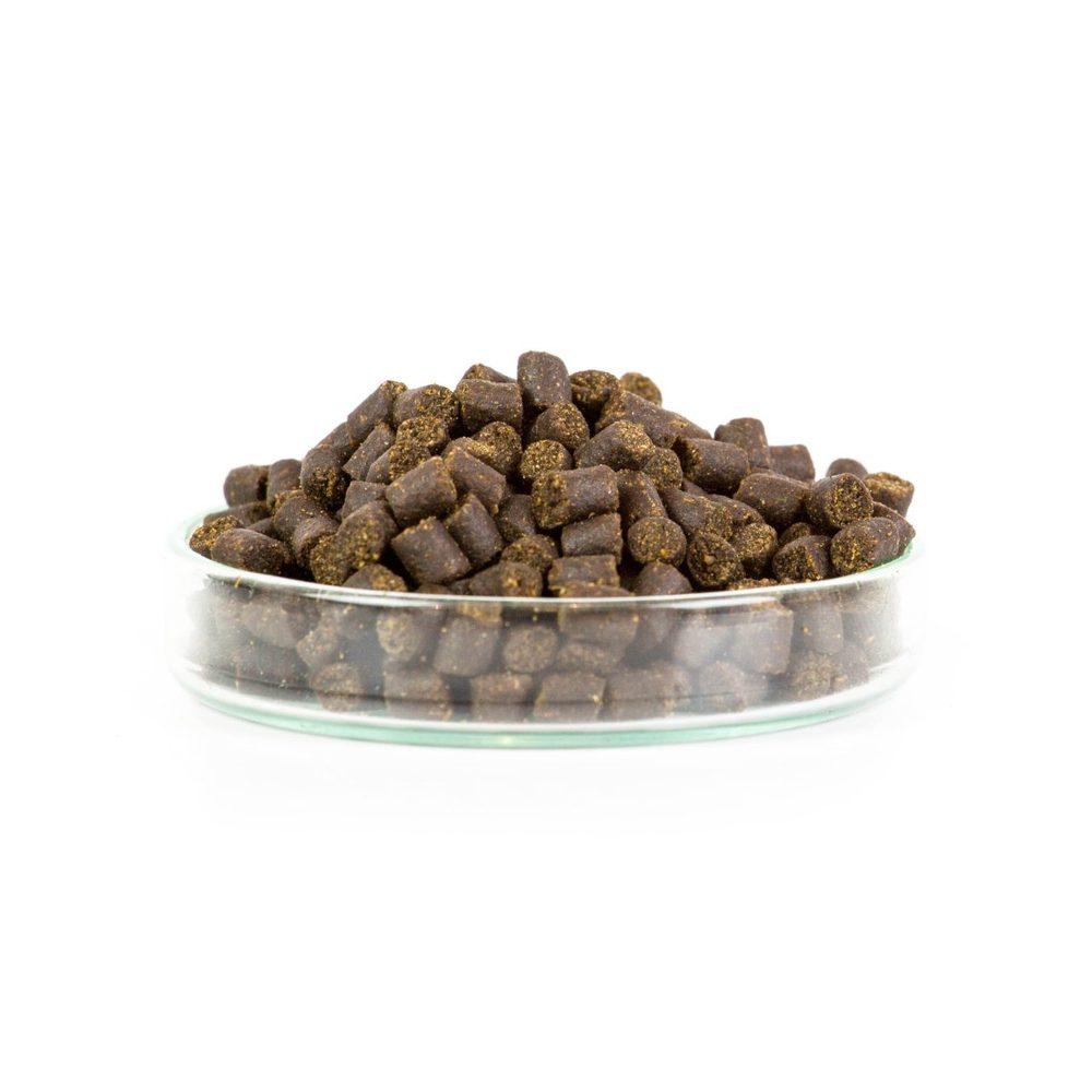 Mikbaits Pelety Pstruží granule 10kg + 100ml lososový olej