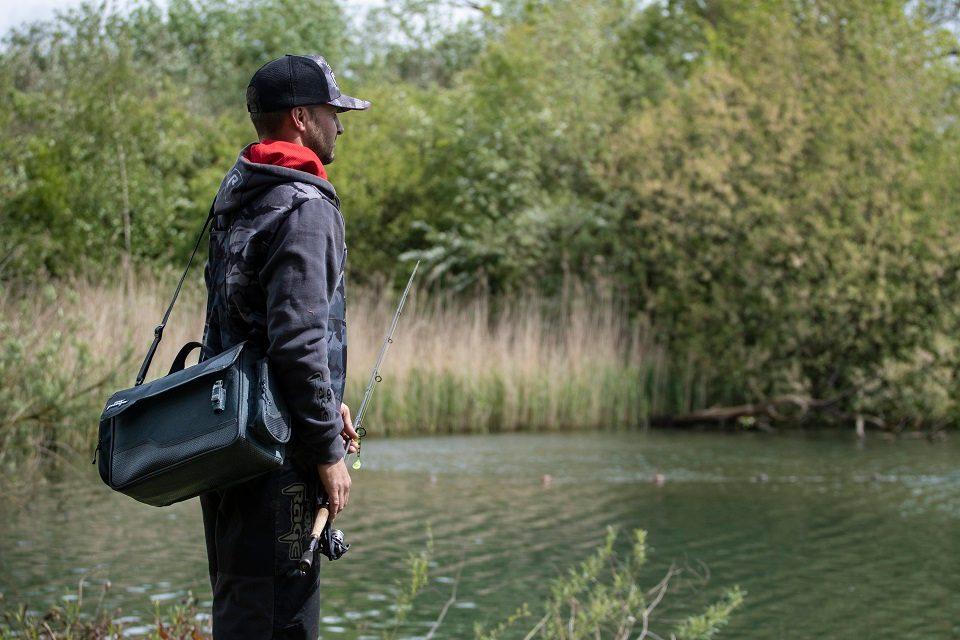 rybářská taška an přívlač
