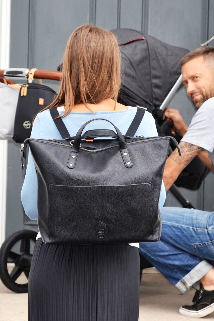 SAUNTON černá - přebalovací taška i batoh