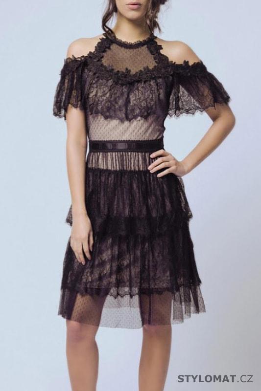 0706e004dda3 Černé šaty s krajkovým volánem - Soky Soka - Krátké společenské šaty