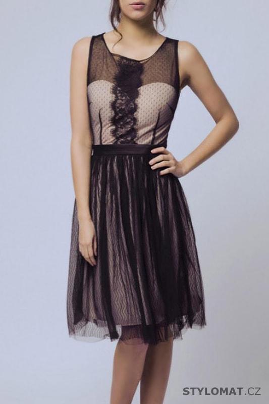 a2afbcda0ed5 Černé šaty s krajkovou aplikací - Soky Soka - Krátké společenské šaty