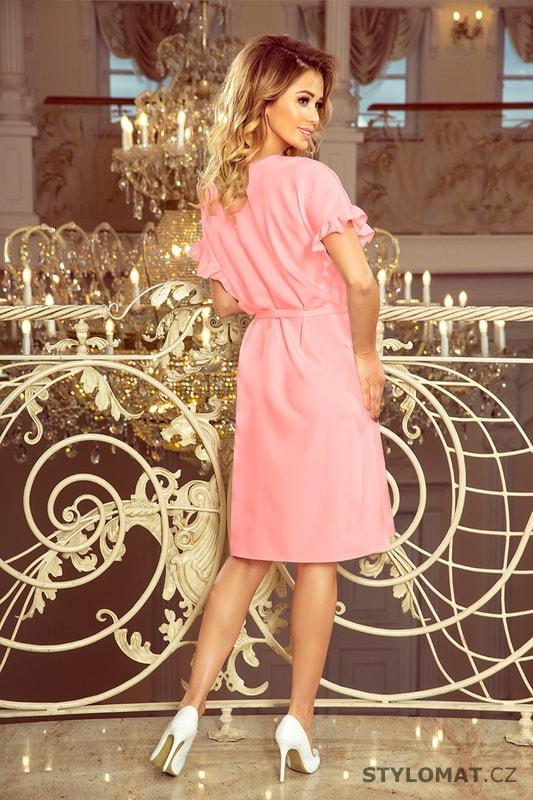33a3ebef52d1 Šaty s vázáním a volánky na rukávech pastelově růžové - Numoco - Krátké  společenské šaty