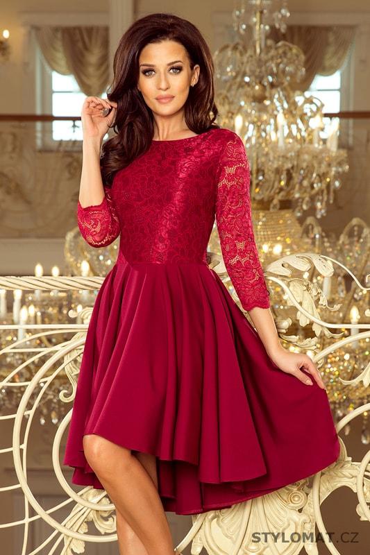 2c4c83baf718 Asymetrické krajkové šaty bordó - Numoco - Krátké společenské šaty